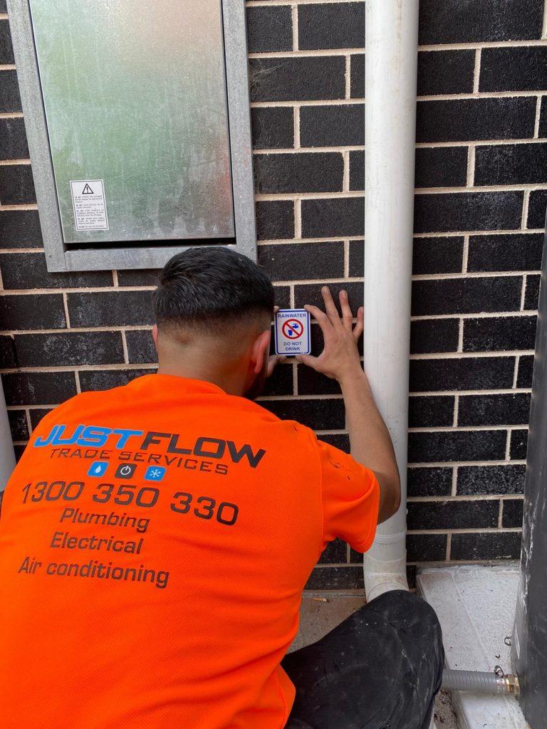 House rain water tank installation plumber Sydney