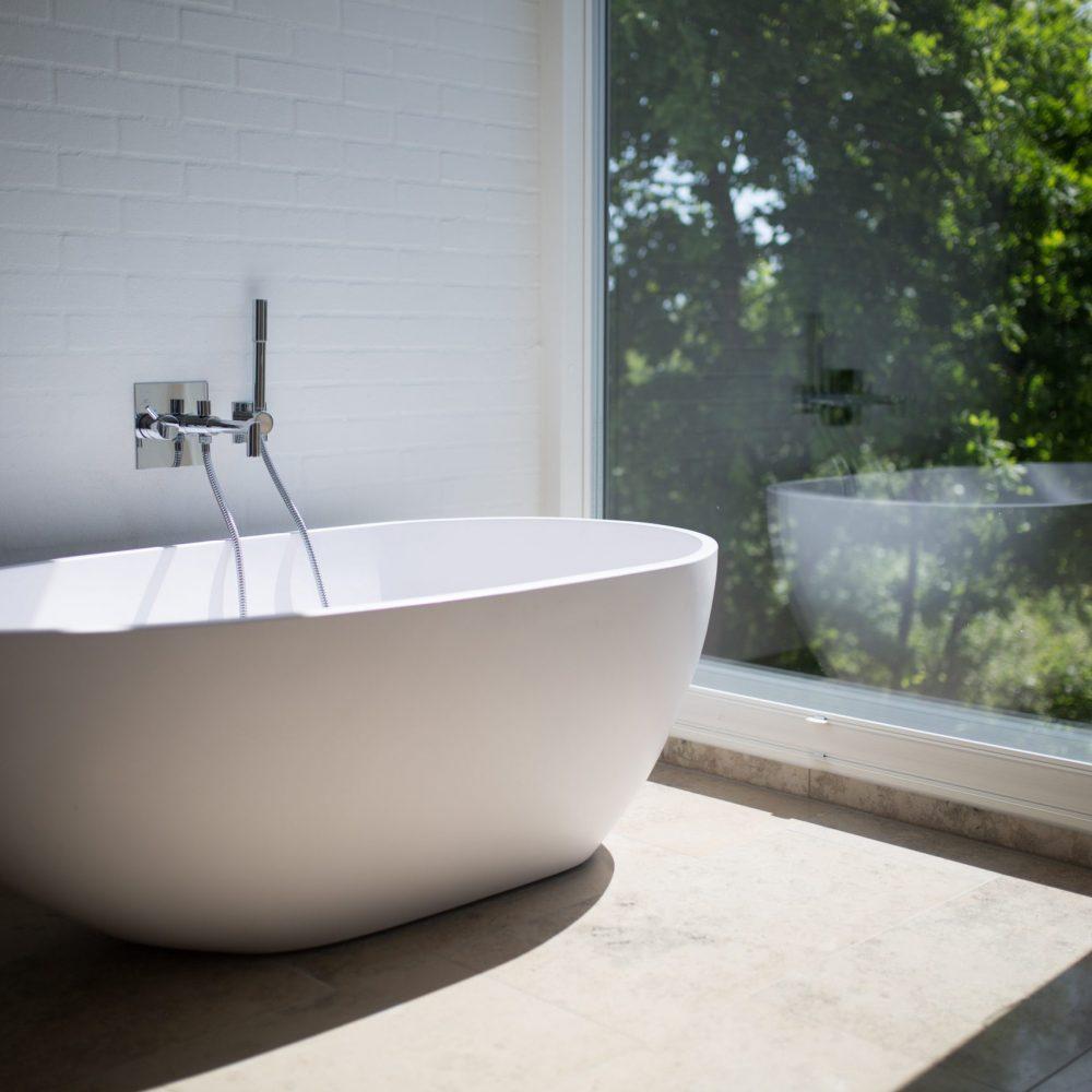 Bath tub Installation Sydney new Bath renovation plumber